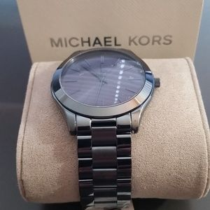 Michael Kors Women's Blue 'Slim Runway' Timepiece